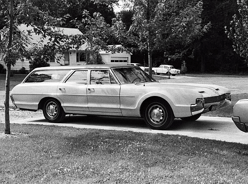 Olds Toronado sttaion wagon