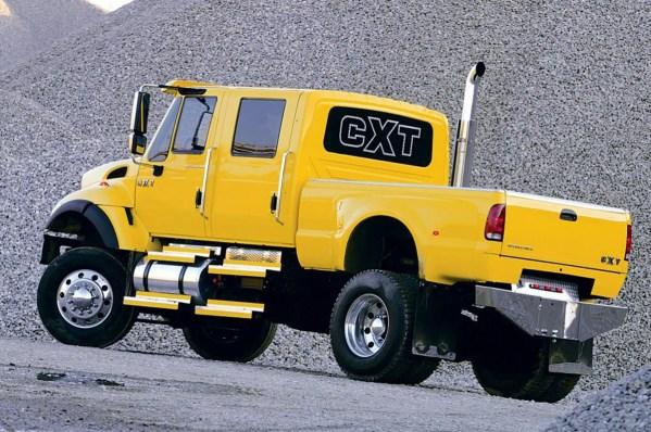 2005-international-cxt-rear-view