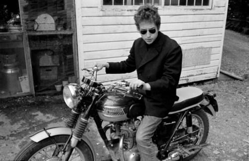 Triumph bob-dylan-triumph-motorcycle