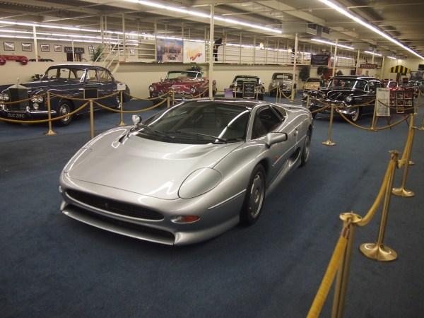 jaguar xj220 (2)