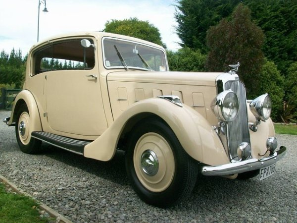 1935 Humber 12 Vogue Coupe