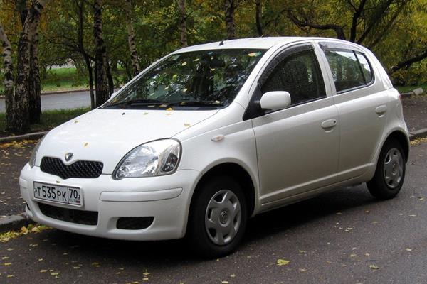 2002_Toyota_Vitz_01 (Copy)
