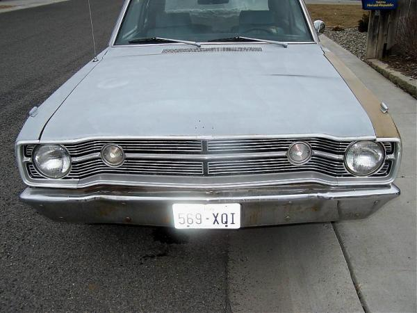 Dodge 1968 Dart front view