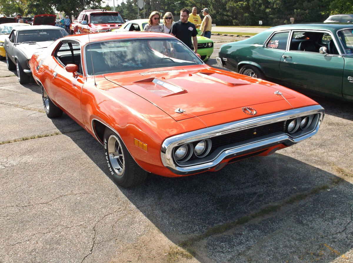 Car Show Classics Fun At The Local Cruise Two Muscle Cars