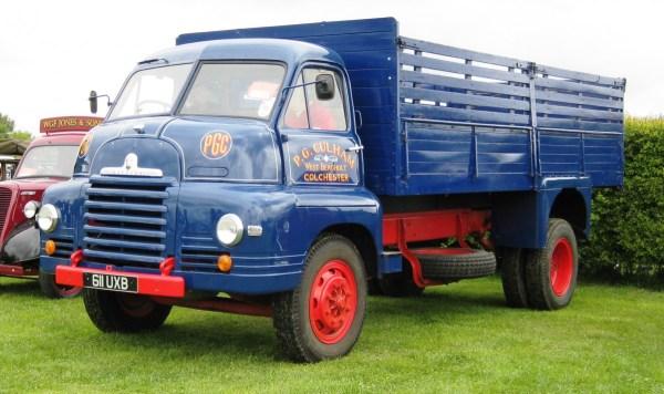Bedford_S_Type_1954