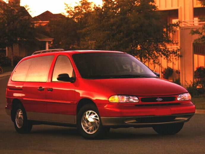 What are some of the more common complaints with the 2013 Ford Windstar?