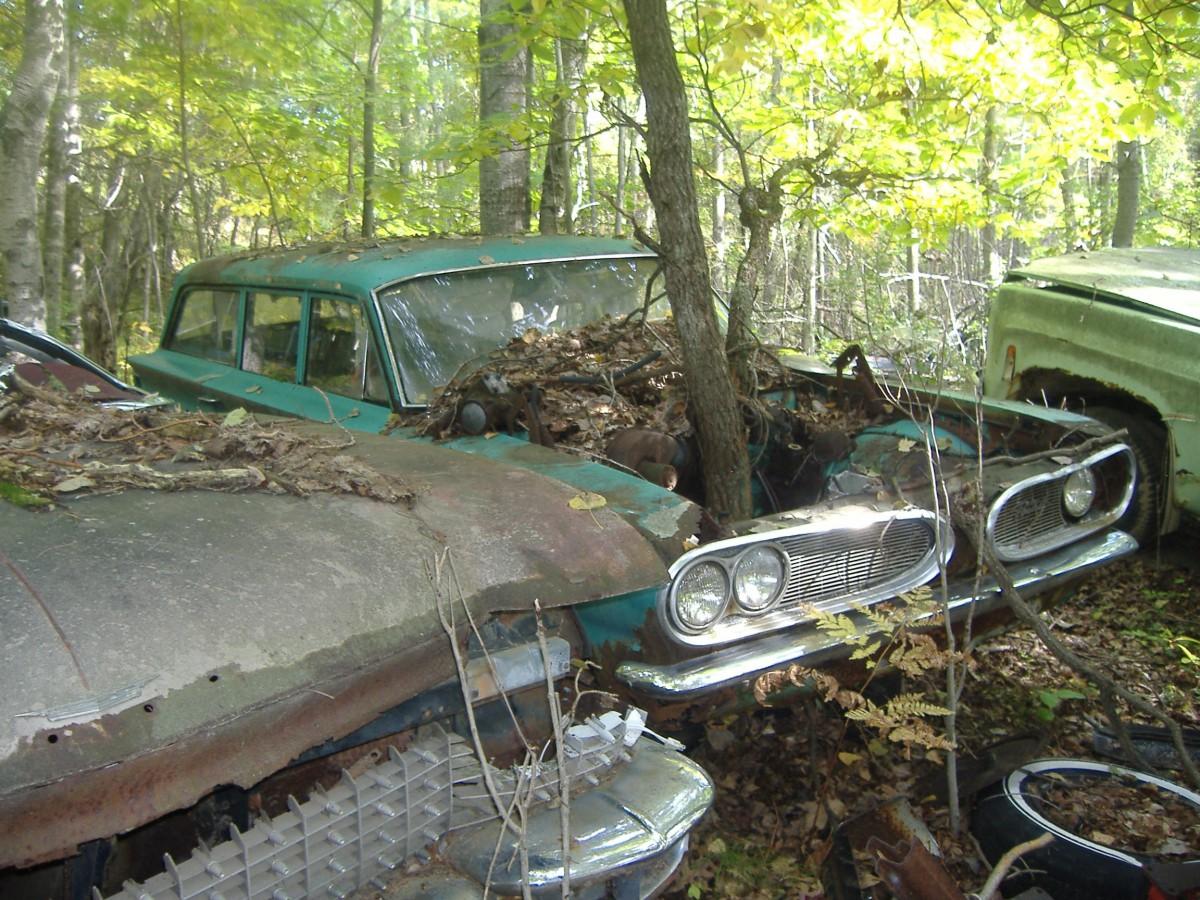 Junkyard Outtake: 1961 Pontiac Tempest–The Rare Wood-Powered