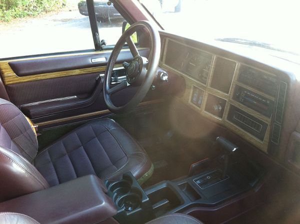 1989 jeep wagoneer limited interior