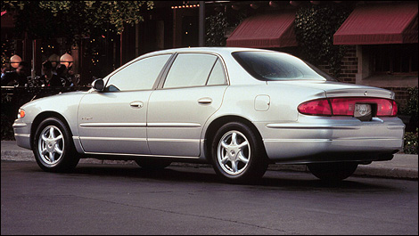 2000-buick-regal-i01