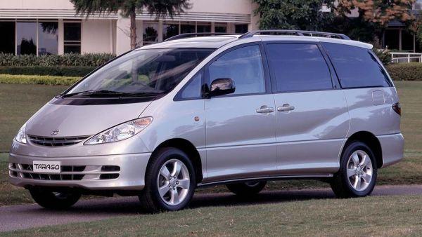 2000_Toyota_Tarago
