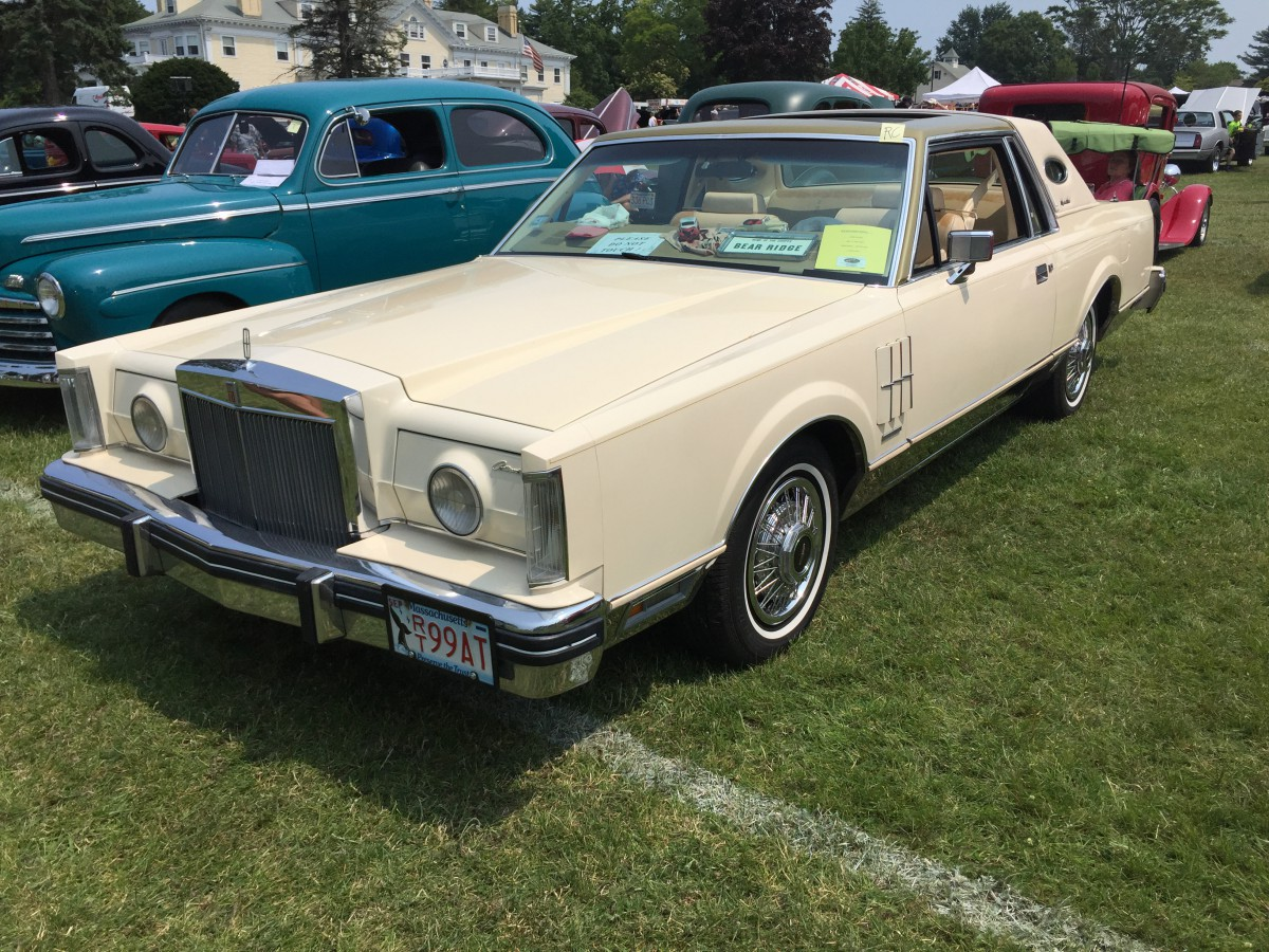car show outtake 1983 lincoln continental mark vi mark of indistinction curbside classic 1983 lincoln continental mark vi