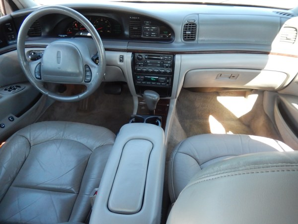 lincoln continental 1995-97 interior photo courtesy used cars group