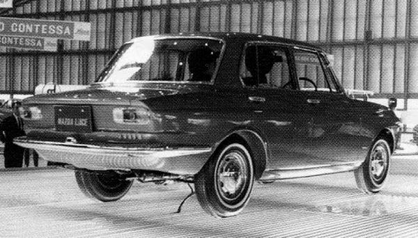 1963 Mazda Luce 1000--1500 Bertone_02