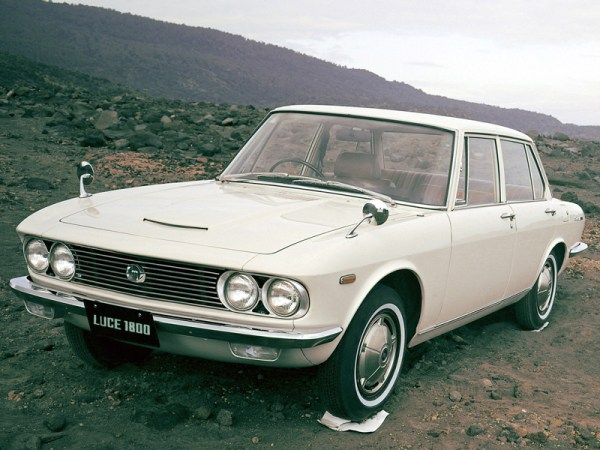 1966_Mazda_Luce_002_0403