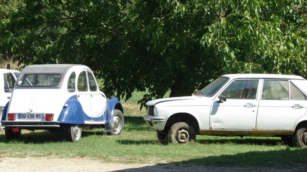 2CV + Peugeot 104