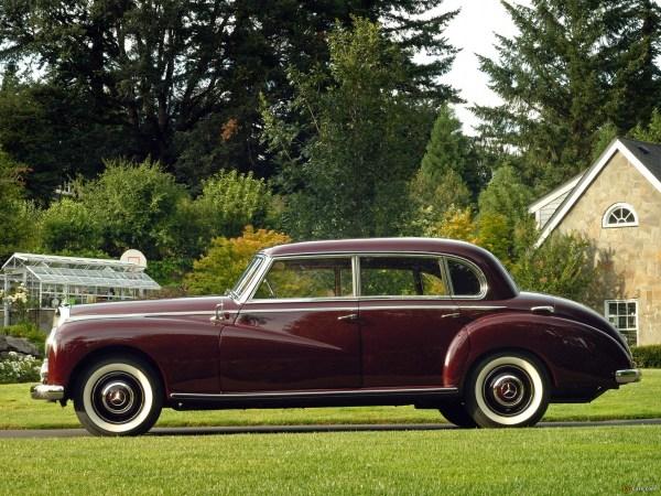 Mercedes 300 W186 side