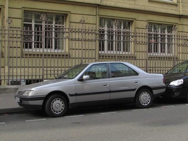 1987-97 Peugeot 405 Rue Chateau-Landon 20151108