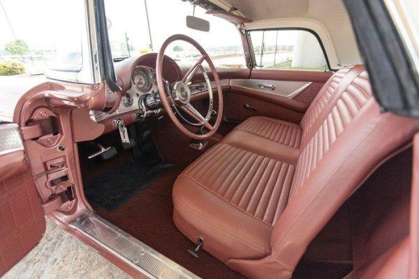 Thunderbird 1957 int