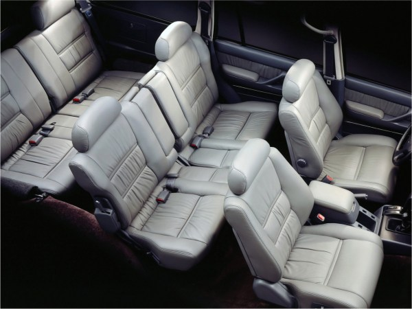 J80_Seats