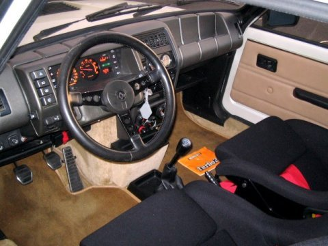 1984_Renault_R5_Turbo_II_Interior_1_BAT