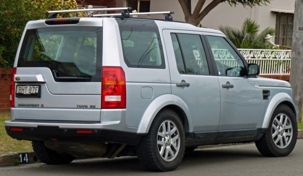 2008-2009_Land_Rover_Discovery_3_(MY09)_TDV6_SE_wagon_(2010-09-23)_02