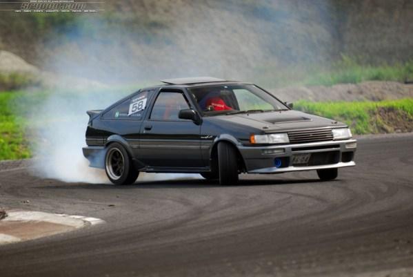 Toyota-Ae86-Drift-1987