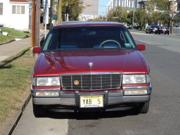 1991 Cadillac Fleetwood Coupe front
