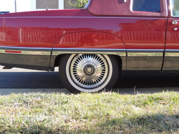 1991 Cadillac Fleetwood Coupe Fender skirt