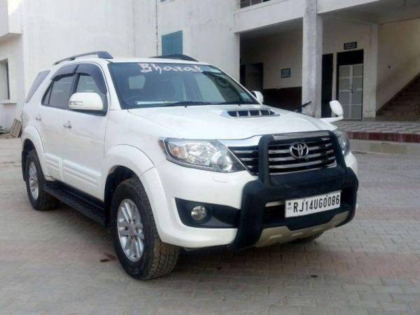 used_toyota_fortuner_4x2_mt_fc_for_sale_8680094449436315158