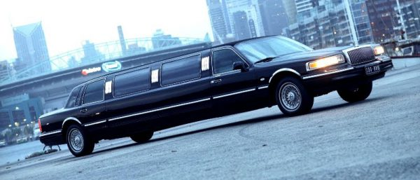 victoria_10_lincoln_royale_limousine