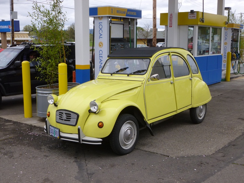 Le Curbside Classic Renault 4 The First Hatchback