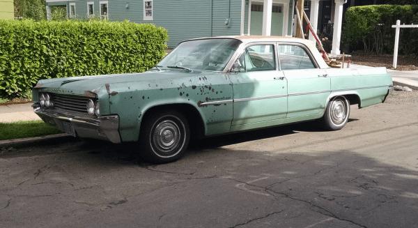 Olds 1964 88 sedan side