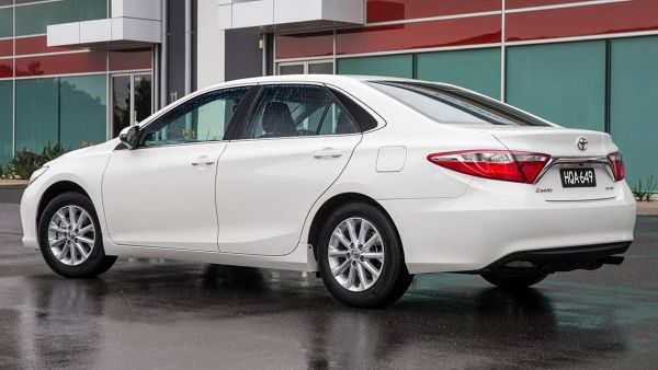 toyota-camry-altise-2015-(3)
