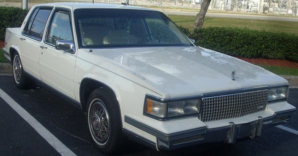 1280px-Cadillac_Sedan_DeVille
