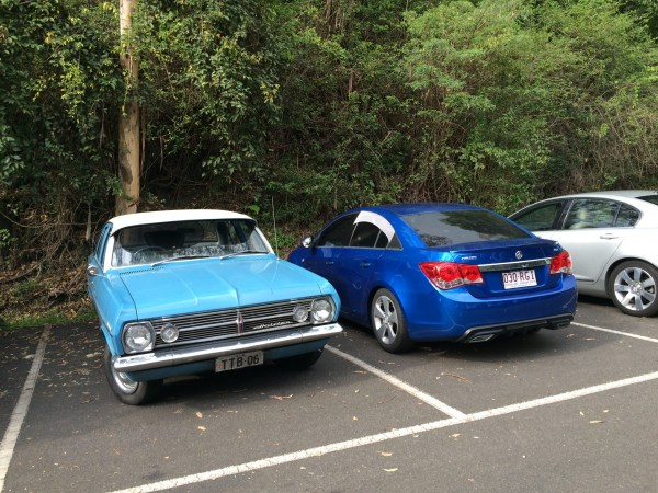 holden hr and holden cruze 1