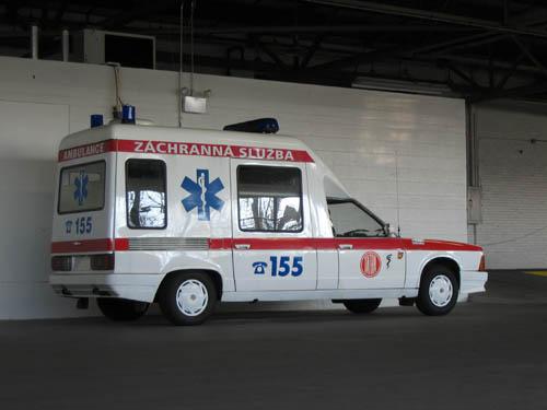 tatra t-613 ambulance_1980_web1_10b6c0a68014165ddf24c67352f3b423