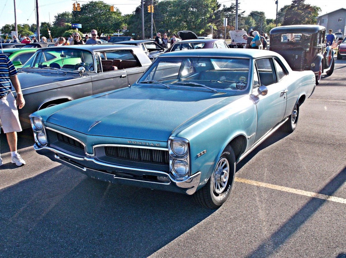 Car Show Outtake: 1967 Pontiac Tempest — In A Sea Of GTOs, Such ...