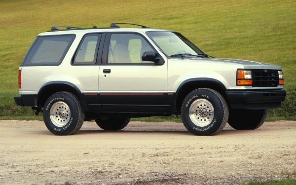 1991-Ford-Explorer-right-side