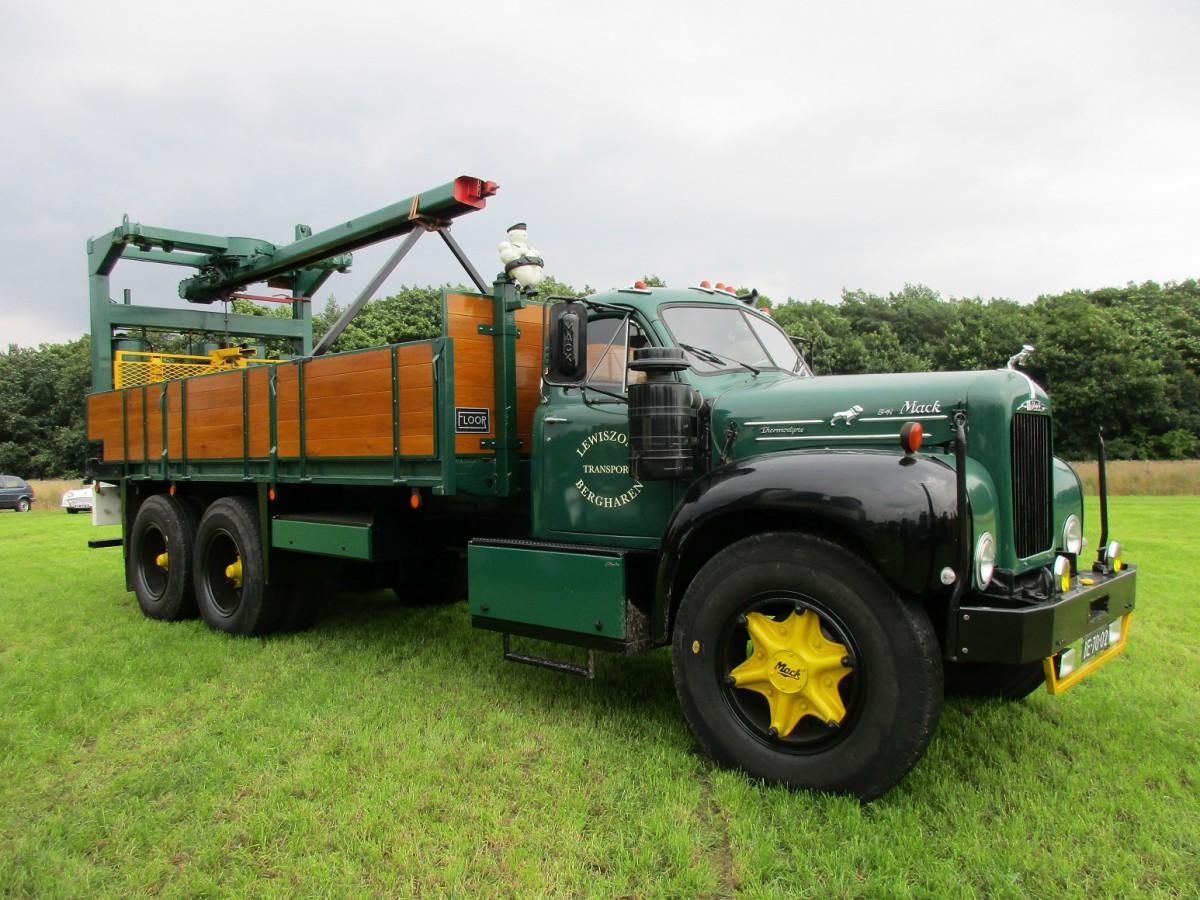 1950 To 1965 Mack Trucks : Img
