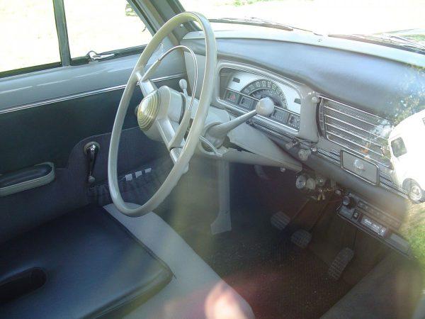 Peugeot 403 RC int