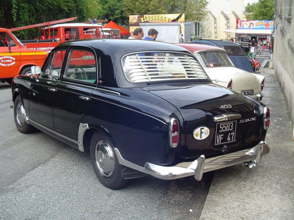 Peugeot 403 b rq better