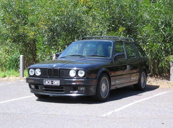 1989 BMW 325i Touring 2