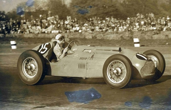 Louis Rosier finished 5th in this T26 GS at Silverstone in 1950. Rosier and his son Jean-Louis drove a Talbot-Lago to victory at Le Mans in 1950. For the 1951 edition, he raced the T26 GS with Fangio but did not finish. In 1952, the T26GS led the race for 22 hours before breaking down.