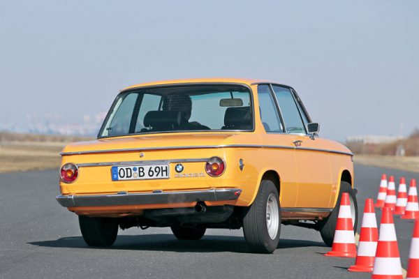 BMW 2002 ti 729x486-121f07fa712f08db