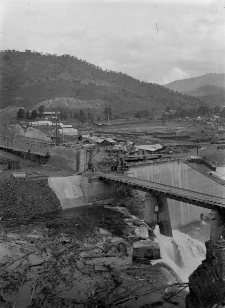 Construction works at Sugarloaf Dam, Eildon