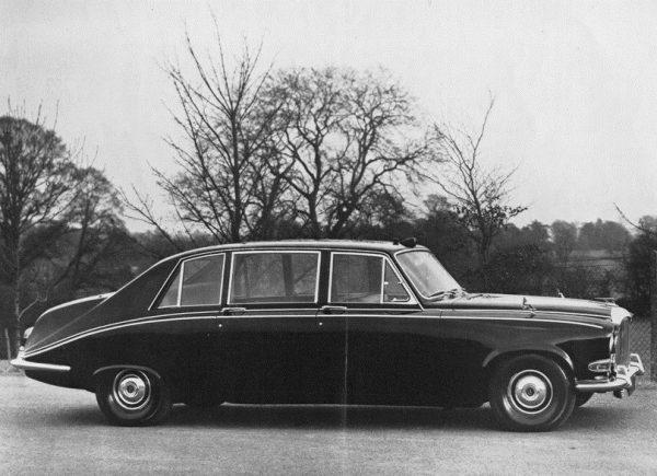 1968_Daimler_DS420