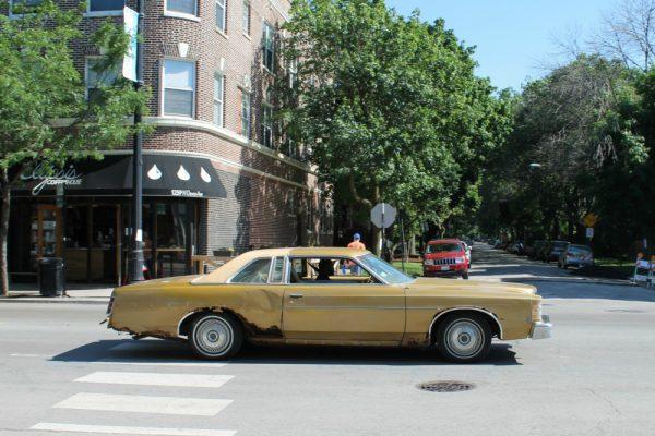 014-1975-ford-ltd-cc