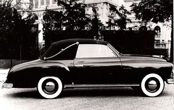 The Vedette soon caught the attention of coachbuilders. Here, a convertible by Mignot & Billebault.
