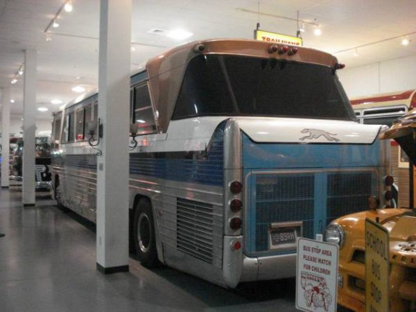 1959-mack-mv-620-greyhound-aaca-museum-hershey-pennsylvania