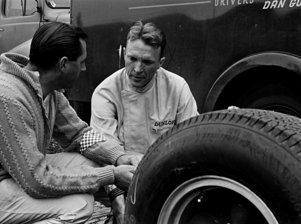 Gurney_and_Brabham_at_1964_Dutch_Grand_Prix_(2)